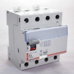 Wyłącznik różnicowoprądowy 4P 25A 0,03A typ A P304 TX3 411764